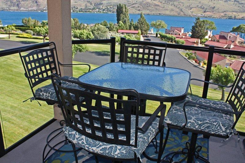 Sunny resort condo w / 5 shared pools & hot tub, quick lake access!, vacation rental in Chelan