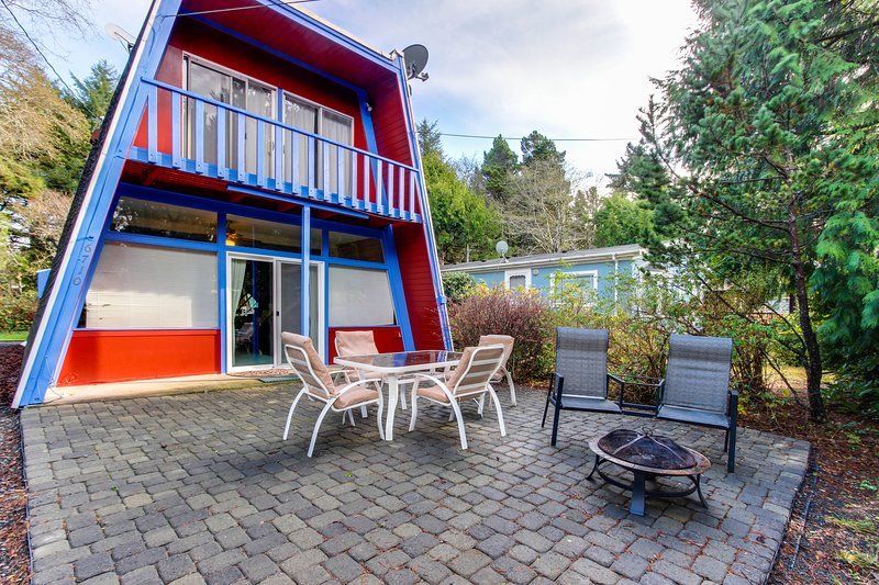 A fun beach house you won't soon forget! Dog-friendly w/ great location!, vacation rental in Gleneden Beach