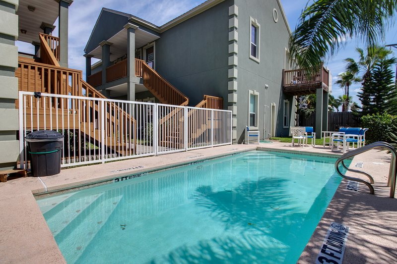 Shared pool & beach access in this great condo - dog-friendly, too!, vacation rental in Port Isabel