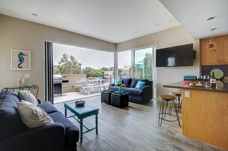 Beautiful modern townhome in Mission Beach awaits your lucky group!, vacation rental in Elvira
