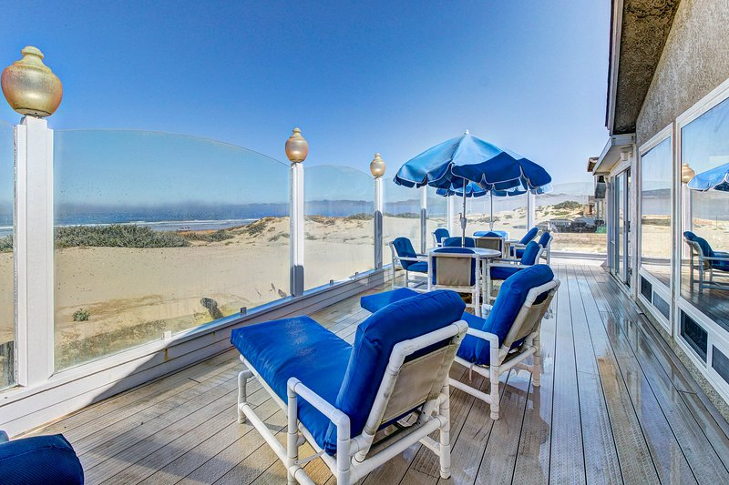 Beachfront home perfect for relaxing indoors and taking in the sun and surf!, location de vacances à Oceano