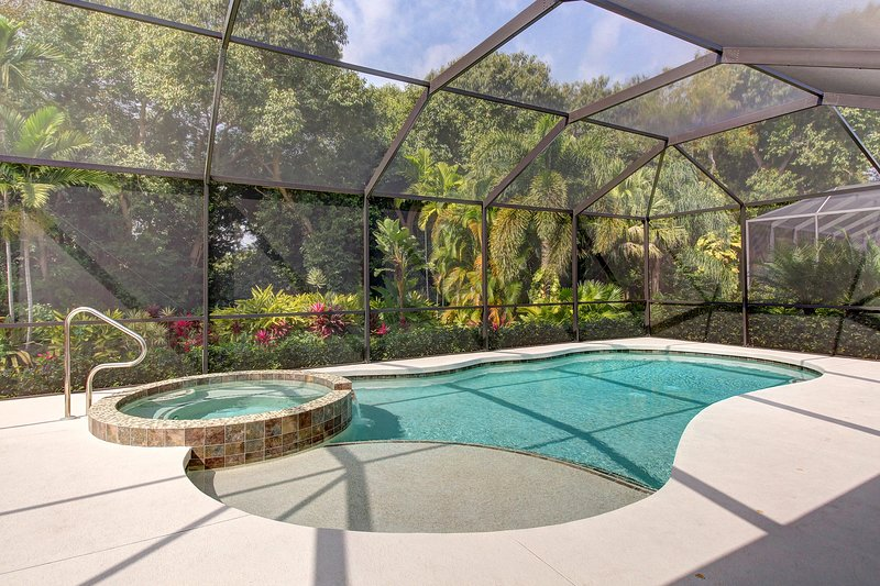 Incredible home with private screened-in pool, lanai, and amazing location!, location de vacances à Ellenton