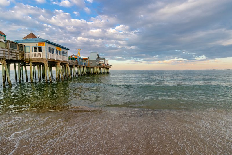 Lovely condo w/ 2 beach chairs - 1/4 mile to the beach, pier & Palace Playland!, location de vacances à Old Orchard Beach