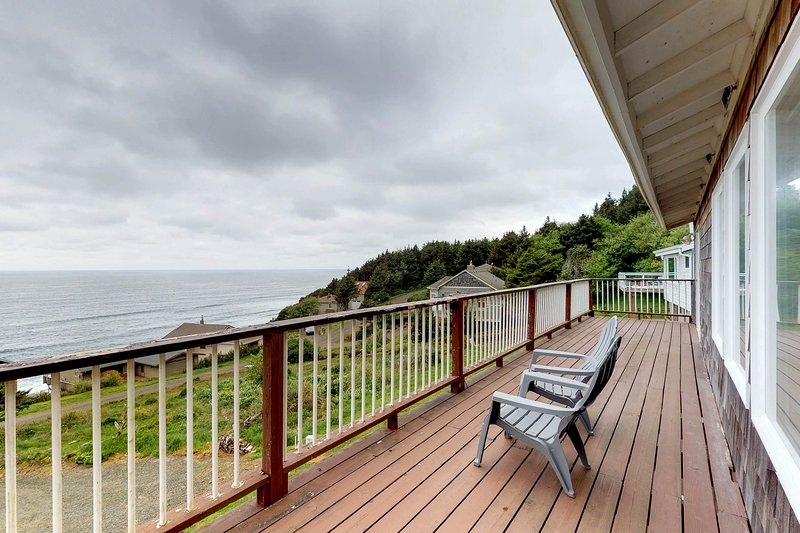 Ocean-view home with private sauna near the beach, natural beauty, and more, vacation rental in Pacific City