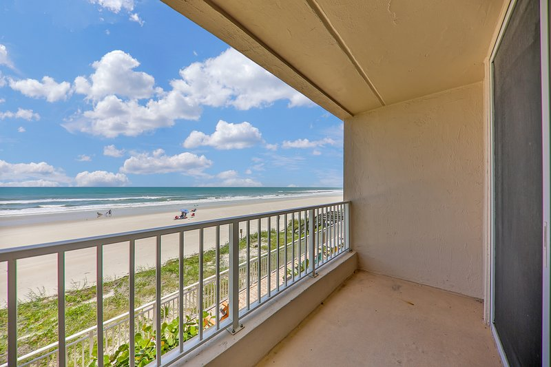 Oceanfront condo w/ views, entertainment, a shared pool, & beach access, vacation rental in Ponce Inlet