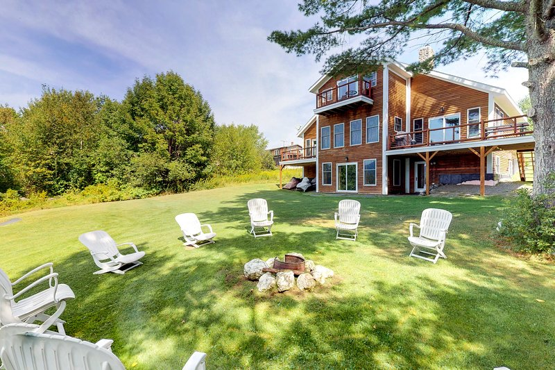 Lakefront home w/ outdoor firepit & private dock - near downtown, holiday rental in Monson
