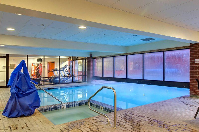 NEW LISTING! Ski-in/ski-out studio condo w/ shared pool, hot tub, & gym! Chalet in Park City