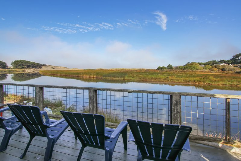 Waterfront home w/ views of the mountains and Salmon Creek - dogs welcome!, vacation rental in Bodega Bay