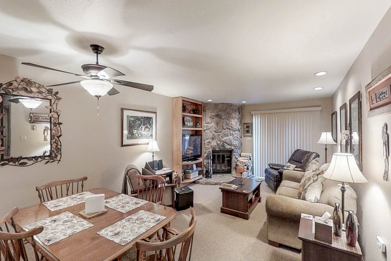 Skier's paradise in Cascade Village w/ shared pool, hot tub & sauna, holiday rental in Purgatory