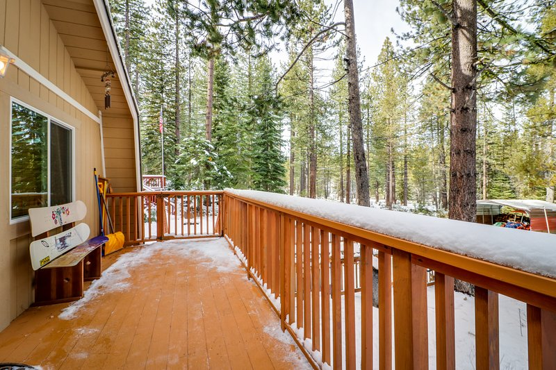 Charming alpine cabin w/a family-friendly style, close to hiking, skiing & more, holiday rental in Twin Bridges