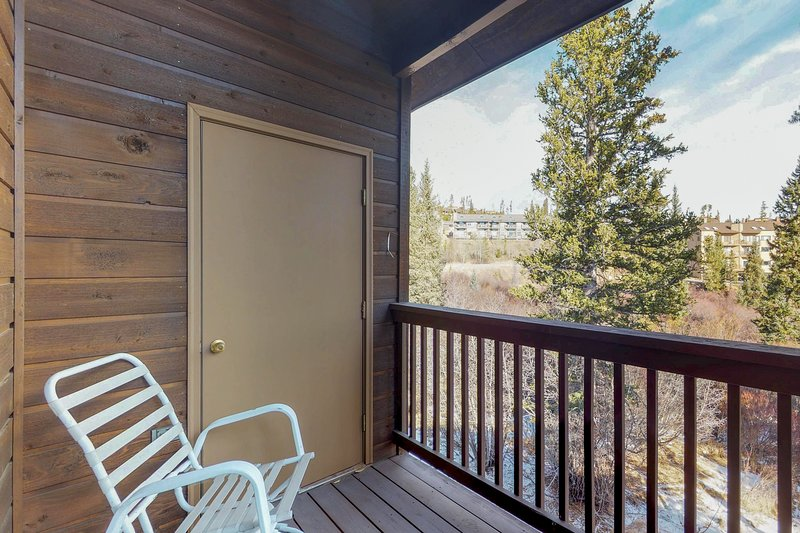 Family-friendly townhouse w/ shared pool, hot tub, & sauna - near hiking, skiing, location de vacances à Silverthorne