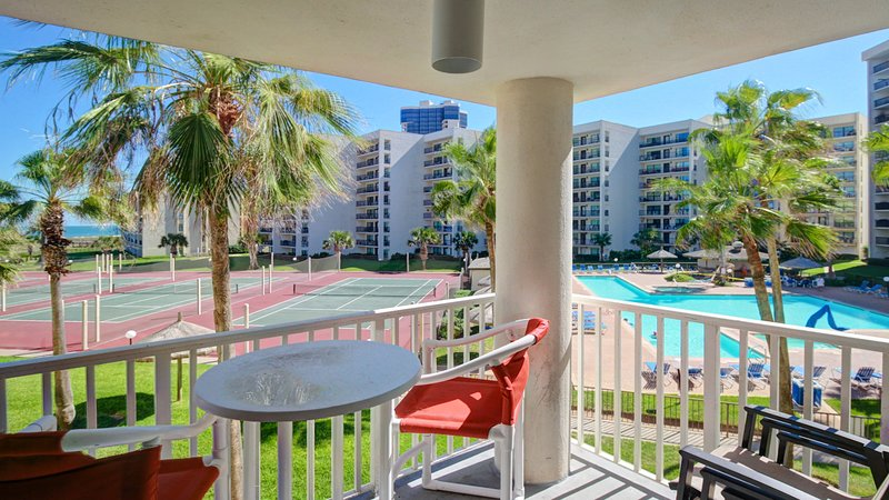 Sunny Gulf-front condo with AC, ocean views, and shared pools/hot tub - dogs OK!, vacation rental in Port Isabel