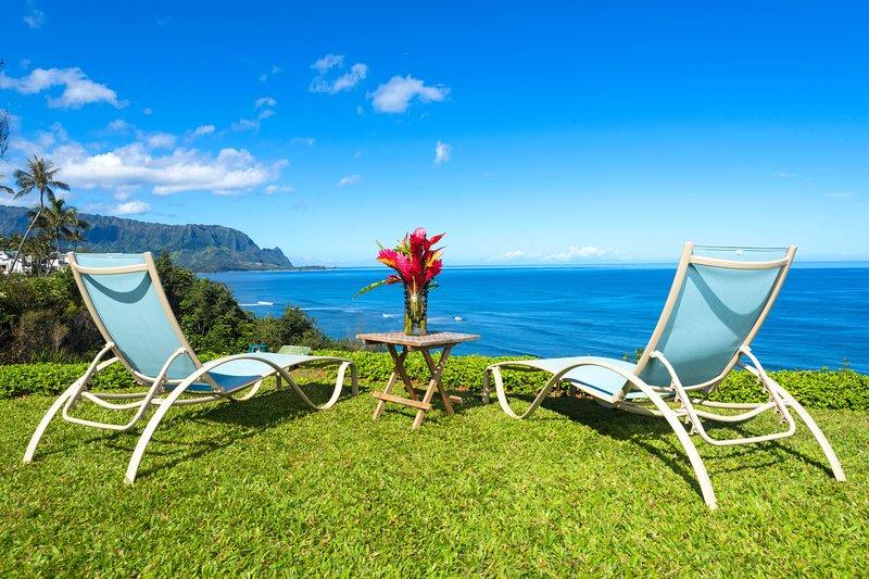 Beautifully Upgraded and Air Conditioned Pali Ke Kua 102! Bali Hai Ocean Views!, holiday rental in Princeville