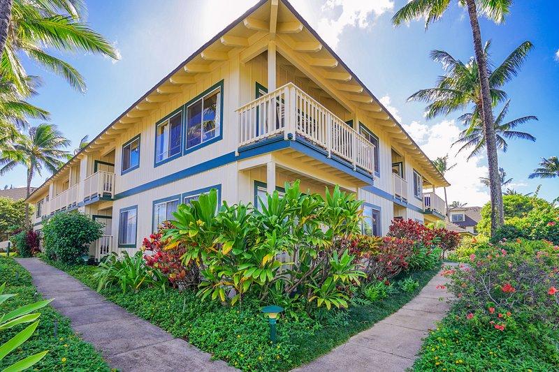 Mountain view condo w/ shared pool, tennis - walk to beach, holiday rental in Poipu