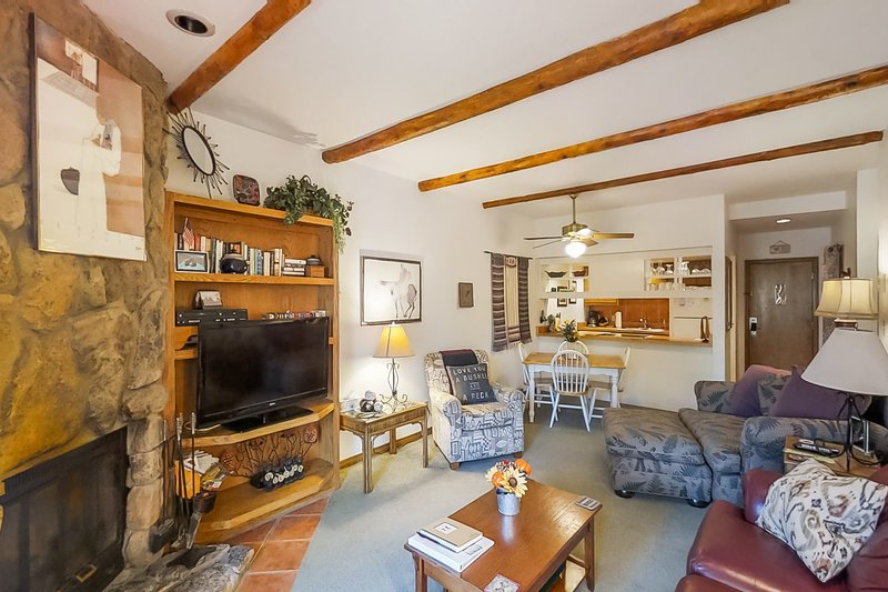 Mountainview condo in Cascade Village w/shared pool/hot tub/sauna, holiday rental in Purgatory