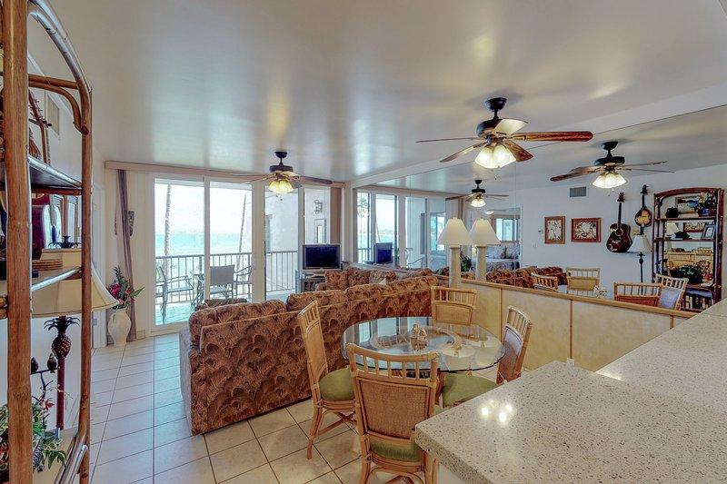oceanfront condo w shared pool balcony walk to dining rh tripadvisor com