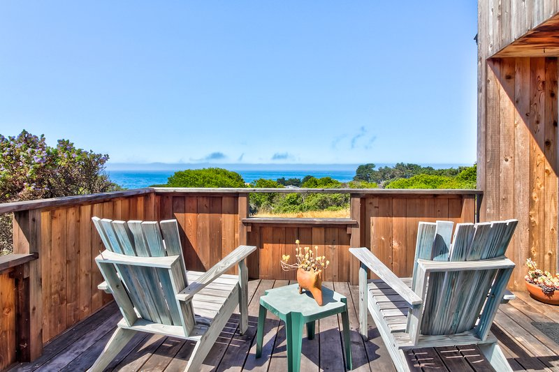 Ocean view home w/ shared pools, tennis & saunas - 2 dogs OK!, vacation rental in The Sea Ranch