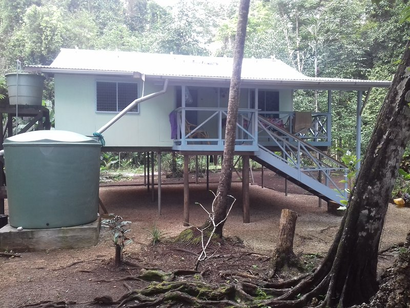 Kwame Guesthouse and Activities, casa vacanza a Papua Region