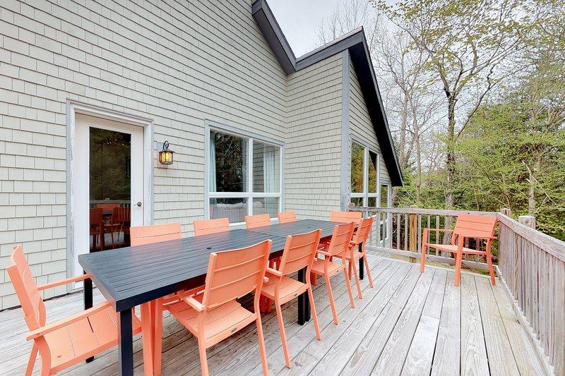 Home w/deck, great location in the heart of Acadia National Park!, alquiler de vacaciones en Otter Creek