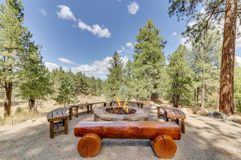 New Listing Spacious Cabin W Mountain View Near Town