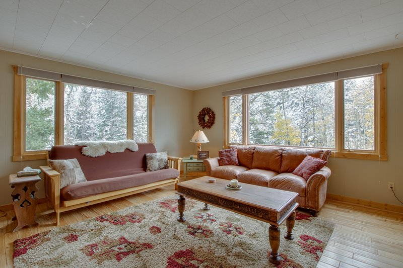Fully-equipped mountain getaway w/ kitchen, patio, & mountain view, holiday rental in Allenspark