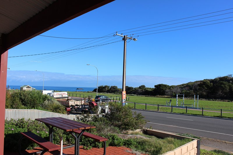 Bott's Beach Retreat Holiday House, location de vacances à McLaren Vale