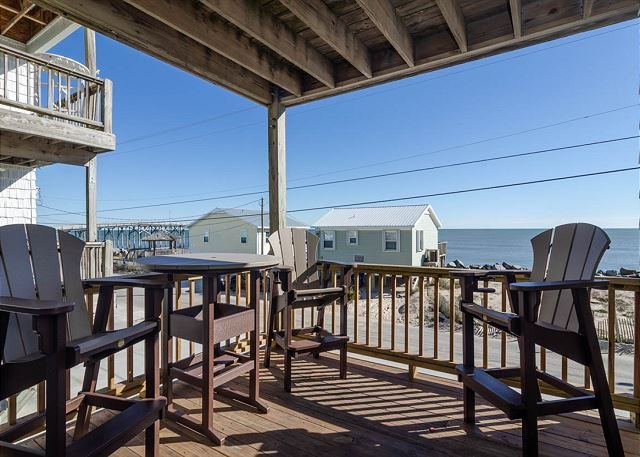 Breathtaking ocean views!  Just steps from the beach!, holiday rental in Myrtle Grove