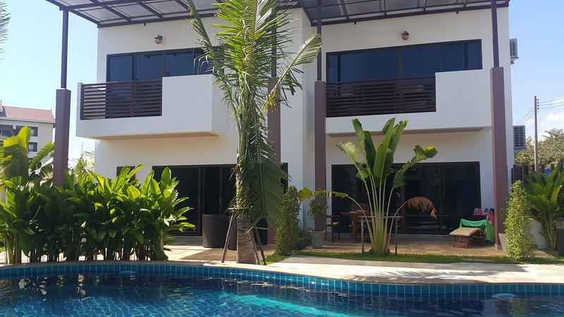 Oasis Garden and Pool Villa 3Br, vacation rental in Ban Phe