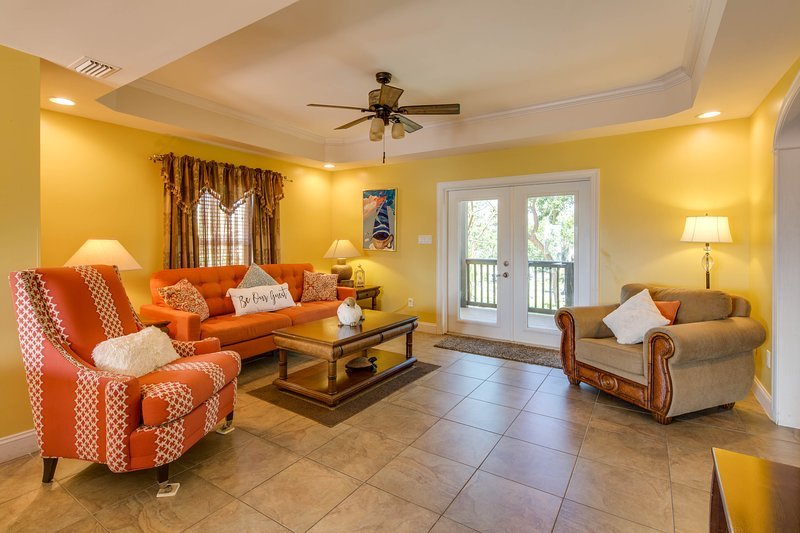 Large, dog-friendly home on three secluded acres w/ balconies, deck, views, holiday rental in Sugarloaf Key