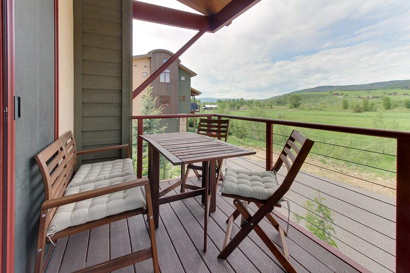 New townhome for the whole family close to skiing and the river, location de vacances à Oak Creek