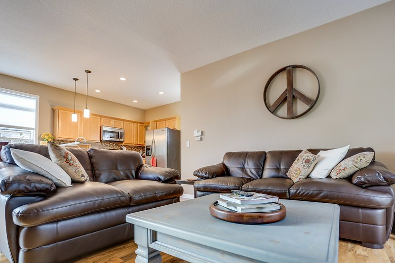 Private game room & hot tub, blocks from historic downtown!, vacation rental in Boring