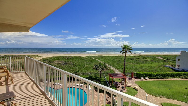 Gulf front condo w/balcony & resort beach, pool & hot tub!, vacation rental in Port Isabel