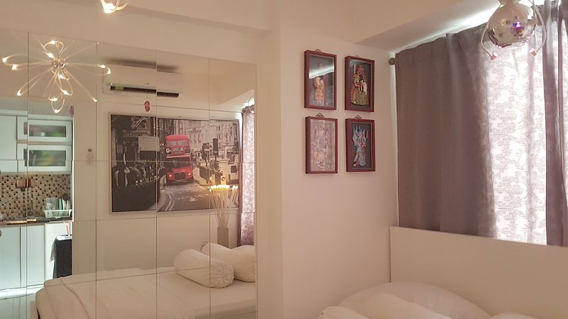 COZY COMPLETE BASSURA CITY APARTMENT, holiday rental in Bekasi