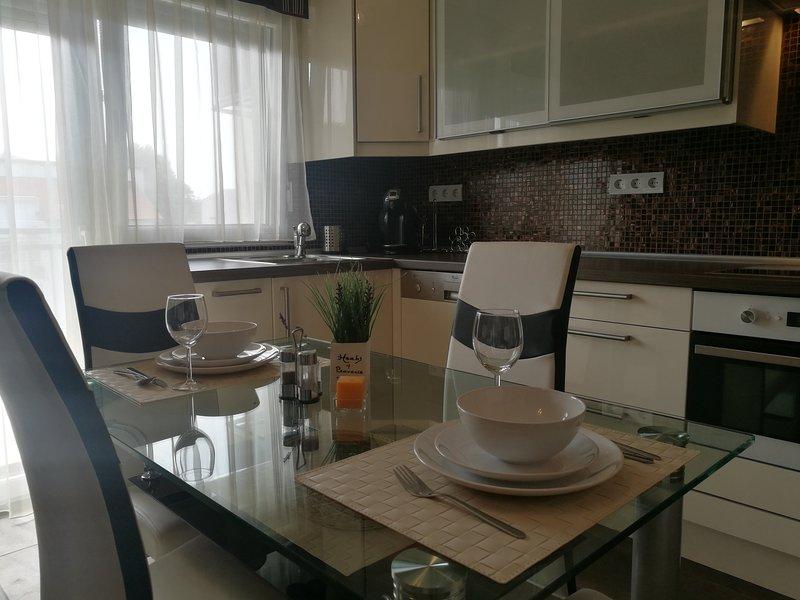 Panoráma Wellness Apartman, aluguéis de temporada em Siofok