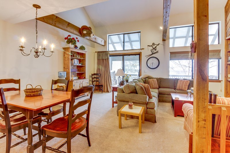 Beautiful mtn home w/ seasonal shared pool & private sauna - near slopes!, vacation rental in Proctorsville
