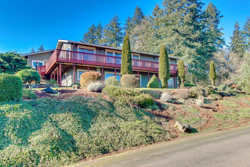 Ideal wine country retreat with valley views & gorgeous prime location, vacation rental in Dundee