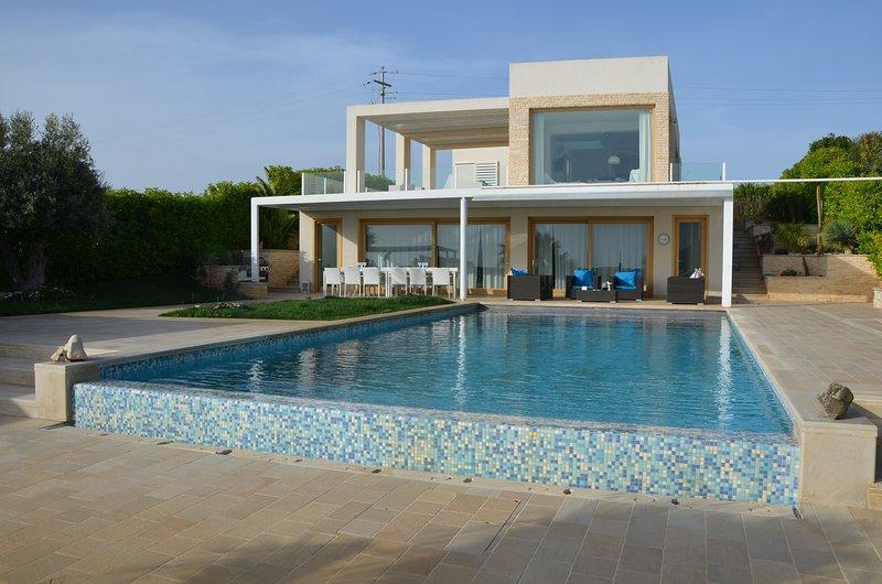 Le Jardin Suspendù - Appartamento in villa con piscina privata, holiday rental in Playa Grande