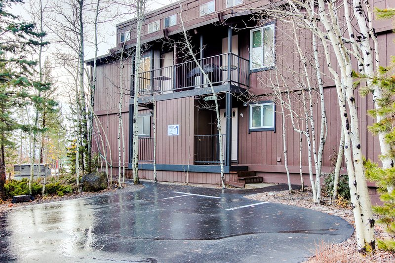 Tahoe City lakeview condo w/shared pool, hot tub, dock access, close lake access Chalet in Alpine Meadows