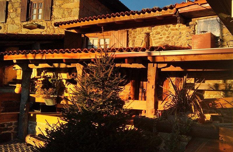 Pouso da Serra |Casa Rústica Completa | Hospedagem Rural numa aldeia de montanha, holiday rental in Sao Pedro do Sul