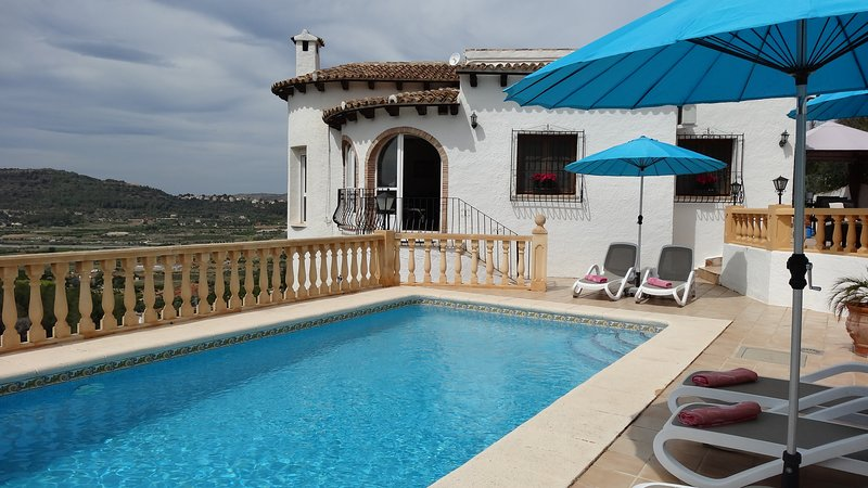 Traditional but modernised villa with fabulous view.