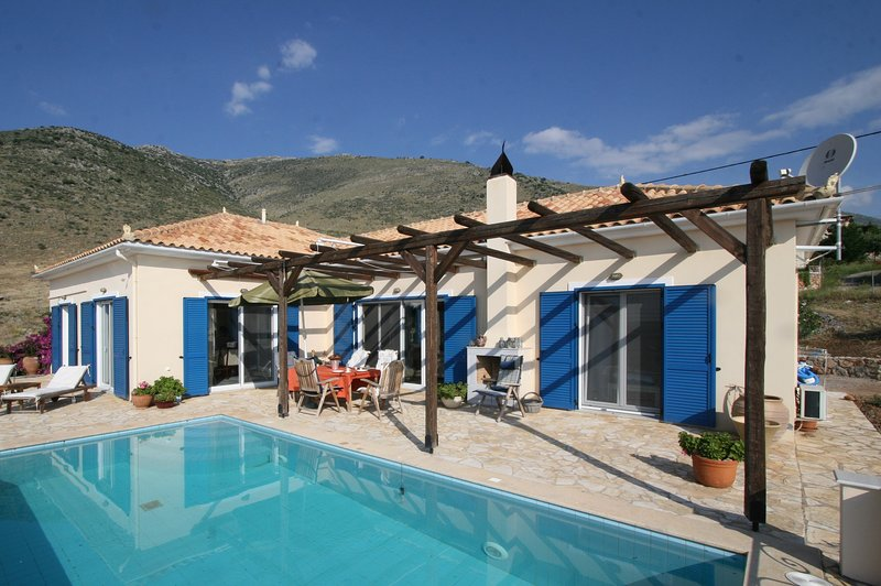 Villa Galaxidi, holiday rental in Polidrosos