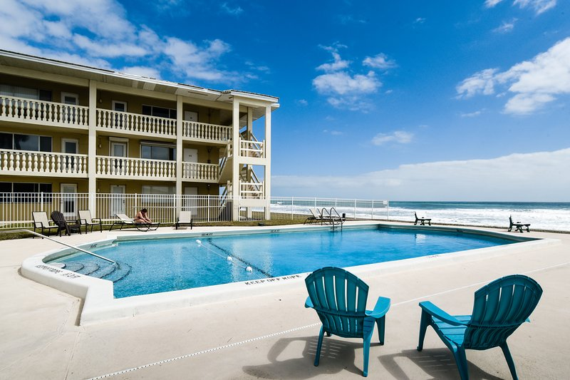 Waterfront condo w/ shared, heated pool, picnic area, & easy beach access, vacation rental in Satellite Beach