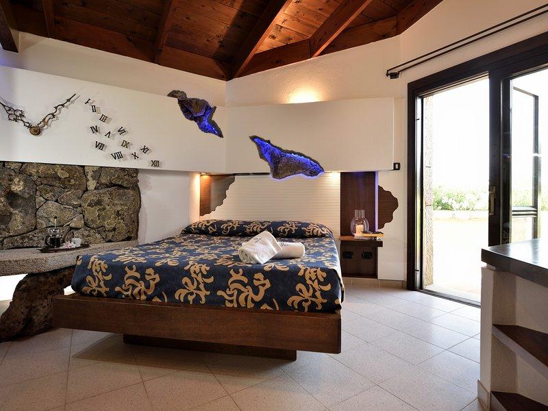 CREATIVE DESIGN – L'Ea di Lavru Residence - Apt 1, vacation rental in Porto Rafael