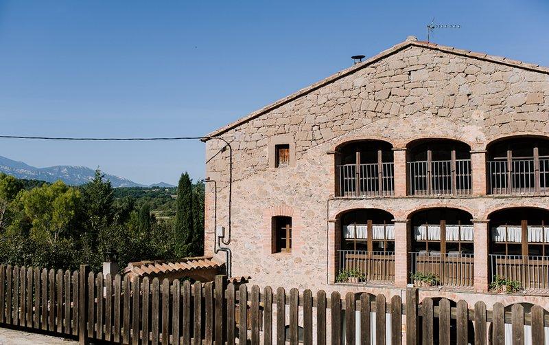 Vilanova, casa de campo para 14 personas, holiday rental in Vilada