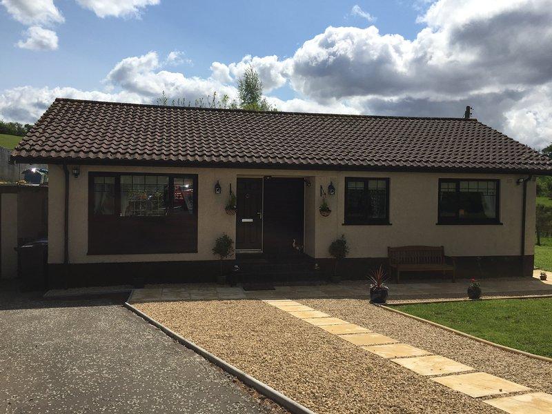 Fieldside Cottage - 3 Stars - 3 Bedrooms - Garden - Newton Mearns, Glasgow, location de vacances à Giffnock