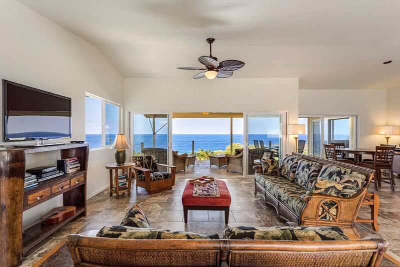 Breezy home with stunning ocean views - minutes away from the beach!, vacation rental in Milolii