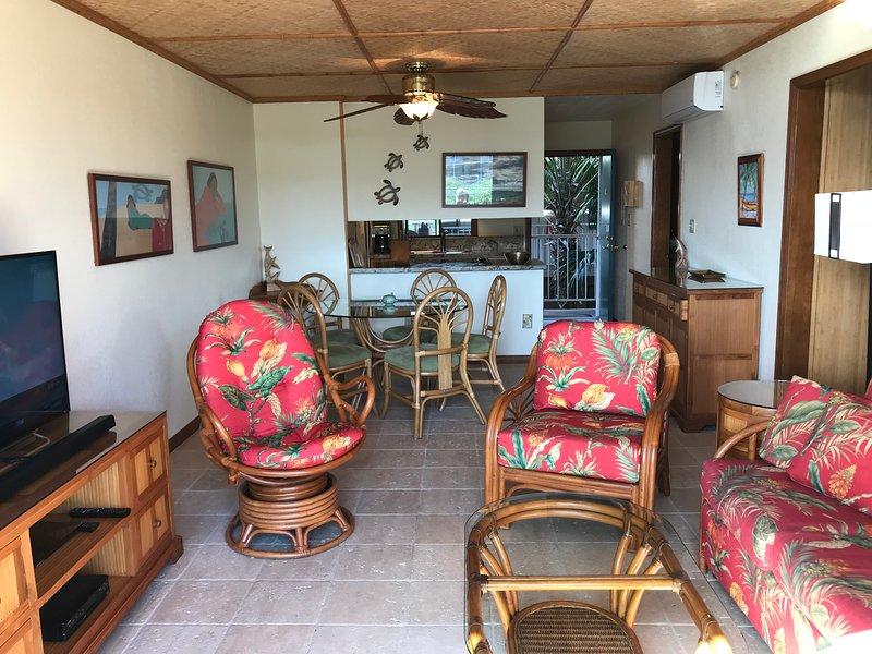 island style, tumbled travertine floors, dual zone AC