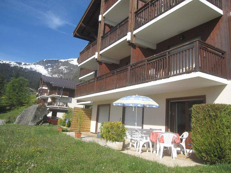 Nice studio with terrace & Wifi, location de vacances à Cordon