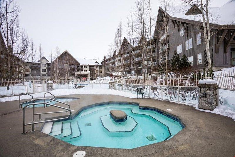Goditi la vasca idromassaggio all'aperto in ogni stagione!