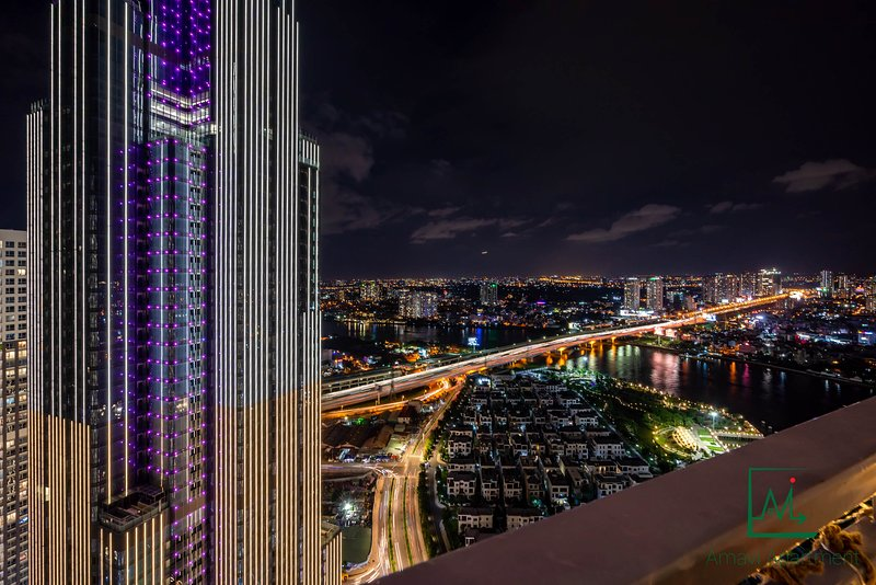 AMAVI LUXE: VINHOMES COZY & LUXURY APT FOR GROUP/FAMILY W/ ICONIC VIEWS -2/BED, holiday rental in Ho Chi Minh City